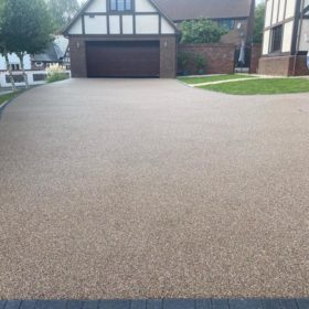 Resin Driveway Brown and Cream