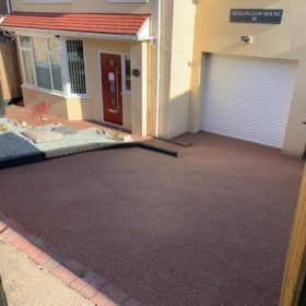 Resin Driveway Red and White